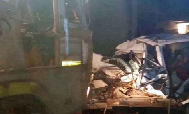 सड़क हादसे में बिजली विभाग के अधिकारी और कर्मचारी सहित 5 की मौत