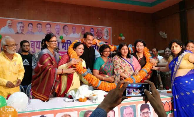 छपरा में BJP महिला मोर्चा के बूथ स्तरीय सम्मेलन में बोली राष्ट्रीय अध्यक्ष: 2019 में भी बनेगी मोदी की सरकार