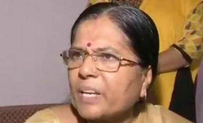 मुजफ्फरपुर रेप कांडः इस्तीफे के बाद मंजू वर्मा ने कहा- 'डंके की चोट पर कहती हूं मेरे पति निर्दोष हैं'