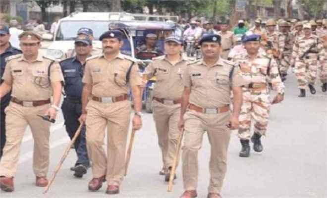 मुरैना में धारा 144 लागू, पुलिस ने शहर भर में निकाला फ्लैगमार्च