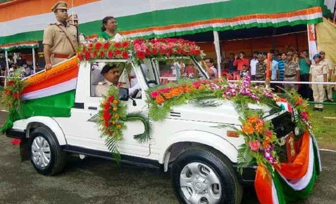 स्वतंत्रता दिवस: हमारा देश विभिन्न क्षेत्रों में कीर्तिमान गढ़ रहा है: राज्यपाल द्रौपदी मुर्मू