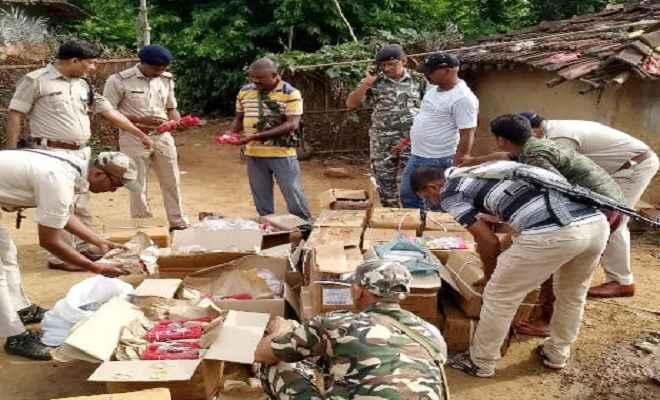 पाकुड़ में विस्फोटकों का जखीरा बरामद, जांच में जुटी पुलिस