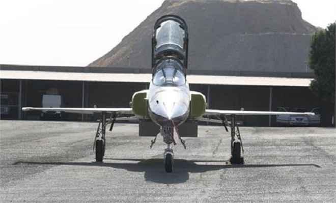 ईरान ने पेश किया पहला घरेलू लड़ाकू जेट विमान