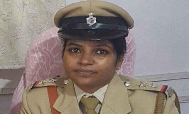 महिला सशक्तीकरण- अमिता सिंह बनी जलालपुर की पहली महिला थानाध्यक्ष, तीन का तबादला