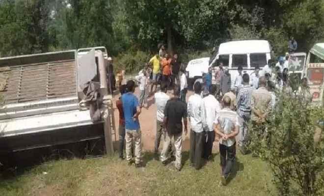 जम्मू-कश्मीर: यात्रियों से भरी बस चिनाब में गिरने से 18 लोगों की मौत कई घायल