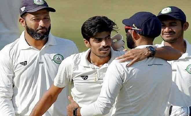विजय हजारे ट्राॅफी में 40 साल का बल्लेबाज शामिल, खिलाड़ियों ने उठाए सवाल