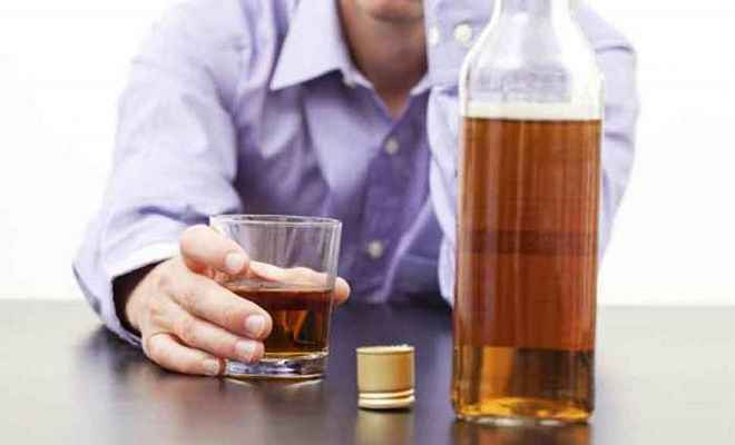 बिहार: पूर्व डीजीपी का बेटा शराब के नशे में हंगामा करते गिरफ्तार