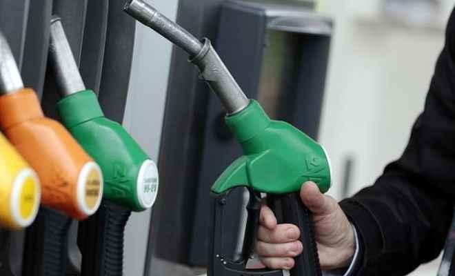 तेल की कीमतों ने फिर तोड़ा रिकॉर्ड, मुंबई में 90 के करीब पहुंचा पेट्रोल