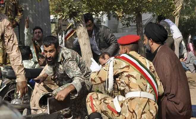 ईरान में सैन्य परेड पर हमला, 9 सैनिकों समेत कई लोगों की मौत