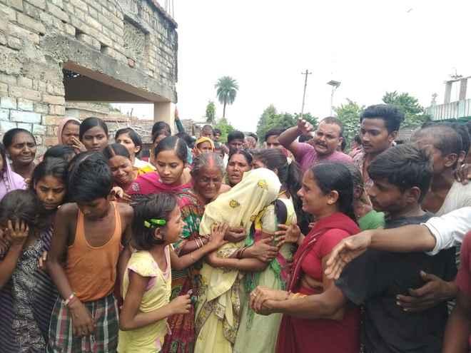 मोतिहारी में अनंत चतुर्दशी के अवसर पर सोमेश्वर धाम जा रहे कांवरियों में महिल की मौत, 8 घायल