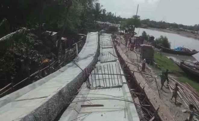 पश्चिम बंगाल में एक और हादसा, दक्षिण 24 परगना जिले में गिरा निर्माणाधीन पुल