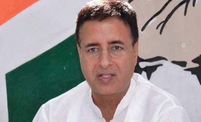 कांग्रेस का वित्त मंत्री पर पलटवार, 'मोदी सल्तनत के दरबारी विदूषक' बनने को बेताब हैं अरुण जेटली