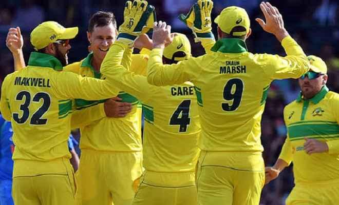 बेकार गई रोहित की शतकीय पारी, 34 रनों से ऑस्ट्रेलिया ने दी मात