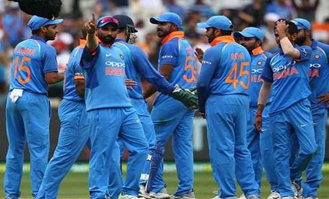 भारत बनाम ऑस्ट्रेलिया: भारत को मिला 231 रन का लक्ष्य, चहल ने की शानदार गेंदबाजी