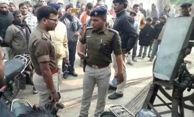मोतिहारी के मधुबन  में मुखिया के दलान में अपराधियों ने दो की हत्या की, एक को गोलीमारी, दूसरे का गला दबाया