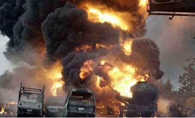 बलूचिस्तानः ट्रक-बस में भीषण टक्कर, 26 लोगों की मौत, 16 घायल