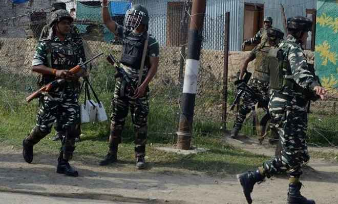जम्मू/कश्मीर: शोपियां मुठभेड़ में एक आईपीएस अधिकारी के भाई समेत तीन आतंकी ढेर