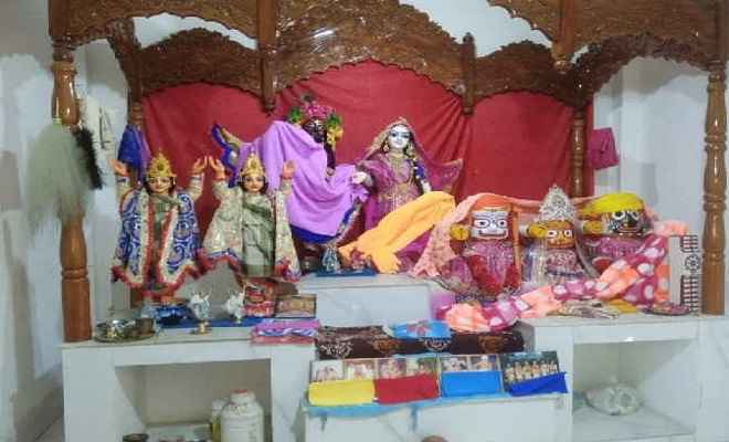 राधा-कृष्ण मंदिर में तोला तोड़ जेवरात और नकदी की चोरी, जांच में जुटी पुलिस