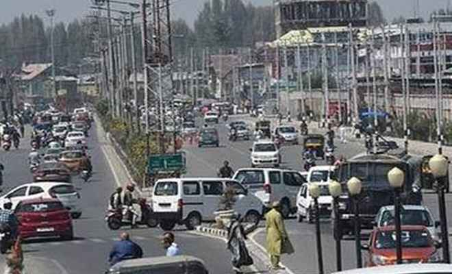 जम्मू कश्मीर में धीरे-धीरे सामान्य हो रहे है हालात, सोमवार से बहाल हो जाएगी पोस्टपेड मोबाइल फोन सेवा