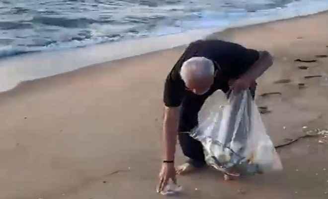 प्रधानमंत्री मोदी ने महाबलीपुरम के समुद्र तट पर की साफ सफाई, दुनिया को दिया स्वच्छता का पैगाम