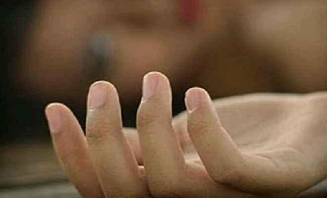 कुशीनगर में पति ने अपने पत्नी की गला दबाकर की हत्या