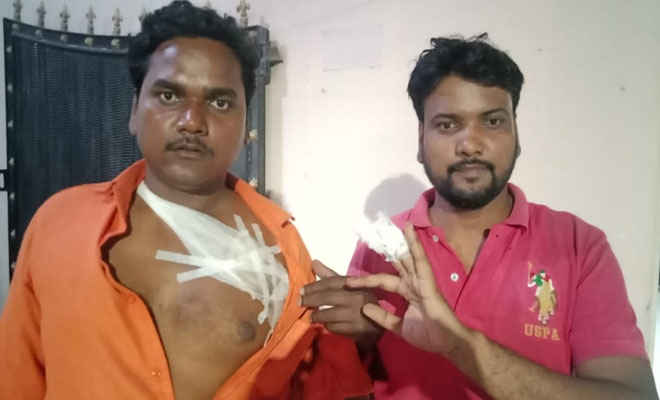 मोतिहारी के मीना बाजार में चाकू मार दुकानदार दो भाइयों को किया घायल