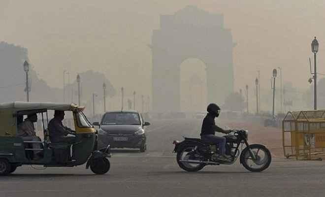 पराली ने दिल्ली-एनसीआर में बढ़ाया वायु प्रदूषण, आगे भी बिगड़ेगी हालत