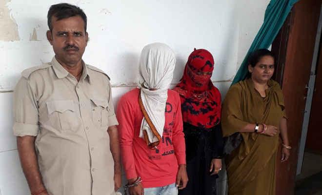 मोतिहारी में तीन पिस्टल व कारतूस साथ लेडी डॉन व शागिर्द गिरफ्तार, पुलिस ने कहा पति जेल में तो पत्नी ने संभाली गैंग की कमान