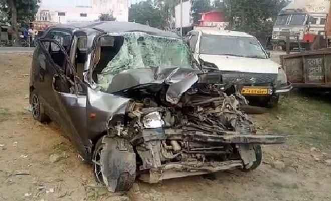 सड़क हादसे में केंद्रीय मंत्री संतोष गंगवार के निजी सचिव ब्रजेश तिवारी की मौत