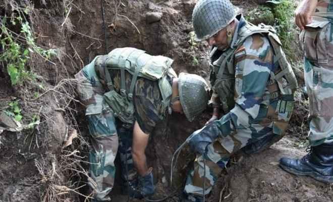 जम्मू-कश्मीर: पुंछ जिले में मिले पाक की नापाक हरकतों के सबूत, सेना ने निष्क्रिय किए तीन मोर्टार