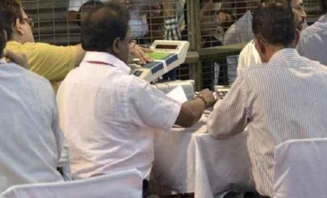 उत्तर प्रदेश में विधानसभा की 11 सीटों पर हुए उपचुनाव की मतगणना शुरू