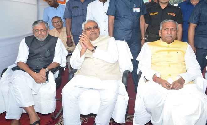 सरदार पटेल की 144वीं जयंती: मुख्यमंत्री नीतीश समेत अन्य नेताओं ने माल्यार्पण कर दी श्रद्धांजलि