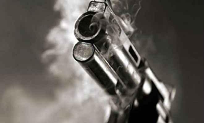 मामूली विवाद में बेखौफ अपराधियों ने की अंधाधुध फायरिंग, दो युवक घायल