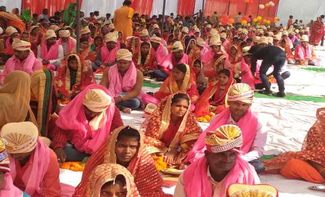 मुख्यमंत्री सामूहिक विवाह योजना के तहत आयोजित समारोह में 341 जोड़े वैवाहिक बंधन में बंधे