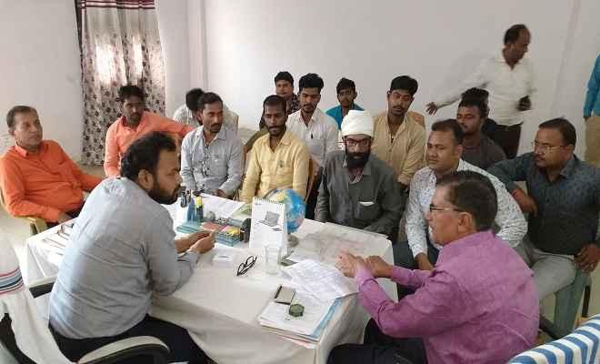 स्वच्छ रक्सौल संस्था के सदस्यों ने नप के कार्यपालक अधिकारी, उप सभापति से मिल बैठक की, बताई समस्या