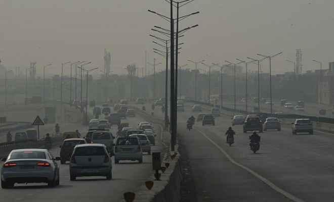 दिल्ली की वायु गुणवत्ता में सुधार, सुबह के समय 412 रहा एक्यूआई स्तर