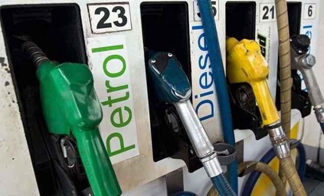 दिल्ली में पेट्रोल पहुंचा 74 रुपये के पार, डीजल की कीमत स्थिर