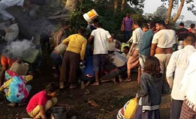 बरौनी-कानपुर पाइप लाइन में लीकेज, तेल लूटने के लिए ग्रामीणों में मची अफरा-तफरी