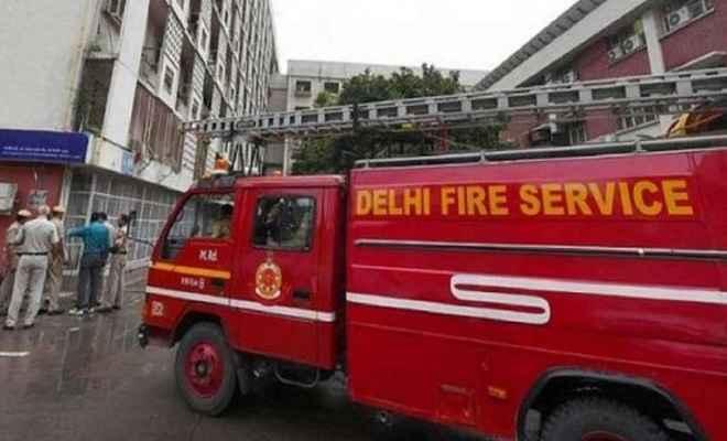 दिल्ली के आईटीओ स्थित सेल्स टैक्स ऑफिस में लगी आग, कागजात जल कर राख