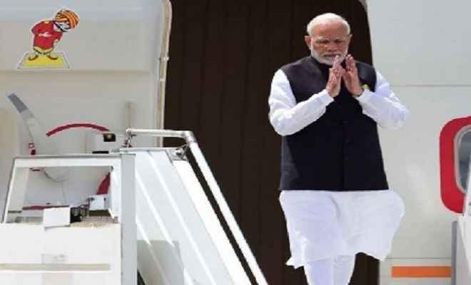 तीन साल में प्रधानमंत्री नरेंद्र मोदी के विदेशी दौरे, चार्टर्ड उड़ानों पर 255 करोड़ से अधिक खर्च