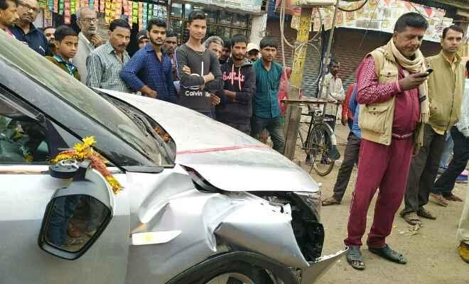 रक्सौल में अनियंत्रित चार पहिया वाहन से एक व्यक्ति घायल