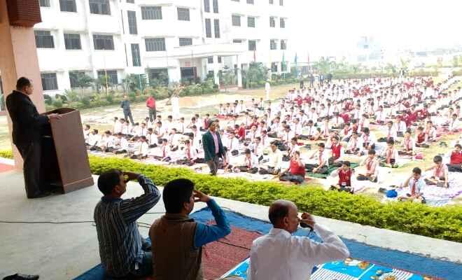 रक्सौल के कैंब्रिज पब्लिक स्कूल में योग शिविर का हुआ आयोजन