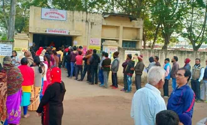 झारखंड विधानसभा चुनाव : औसतन 63 प्रतिशत मतदान दर्ज किया गया पहले चरण में
