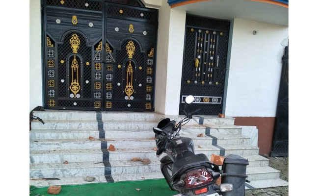 मोतिहारी के रघुनाथपुर में सेवानिवृत जज के घर पर उपद्रवियों ने बोला हमला, तोड़फोड़ 11 पर प्राथमिकी दर्ज