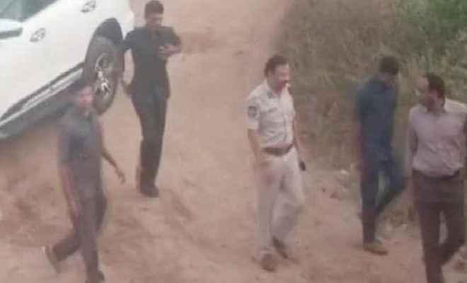 हैदराबाद गैंगरेप के चारों आरोपियों को पुलिस ने एनकाउंटर में किया ढेर