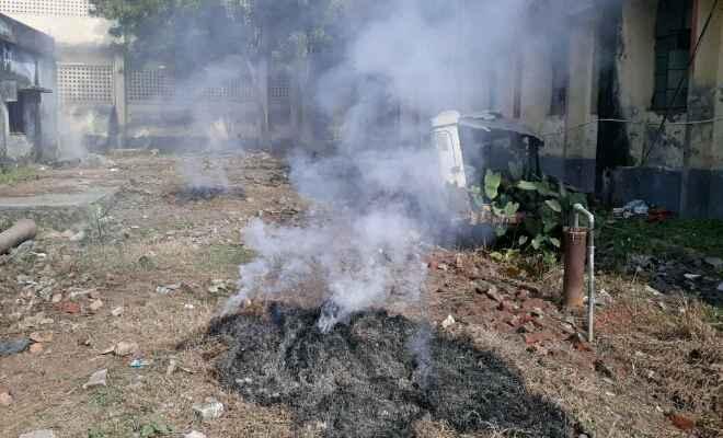 खेतों में पराली जलाने से ज्यादा खतरनाक अस्पताल का कचरा जलाना