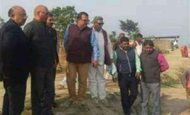 कुशीनगर में गठित अभियंताओं की टीम ने अमवा खास बांध से संबंधित परियोजनाओं किया भौतिक सत्यापन