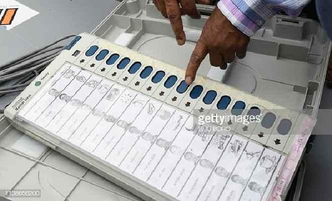 चिरैया प्रखंड में बुधवार को हुई 16 पैक्सों के मतदान की मतगणना गुरुवार से जारी