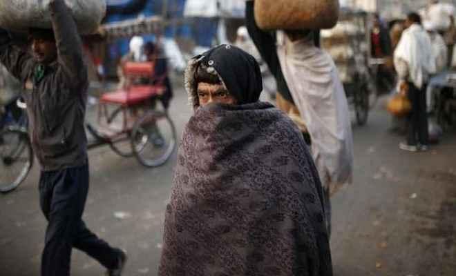 दिल्ली में बारिश ने बढ़ाई ठंड , सर्द हवाएं चलने से लोग परेशान, वायु गुणवत्ता में खास सुधार नहीं