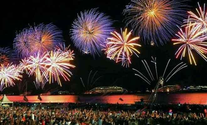 नववर्ष का जश्न मनाने लोग बड़ी संख्या में पहुंच रहे गोवा, देश के अन्य भागों में भी नए साल के  जश्न की धूम